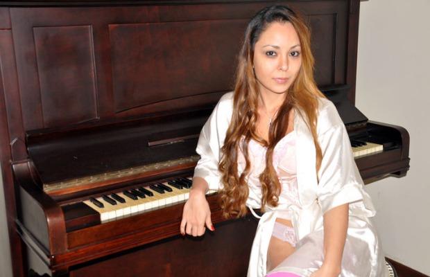 suzy_pianista_sexy_620400