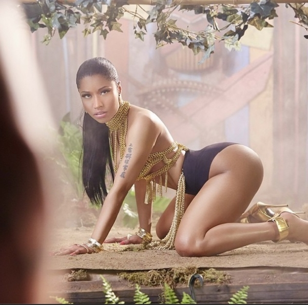 nicki-minaj-in-anaconda-teaser