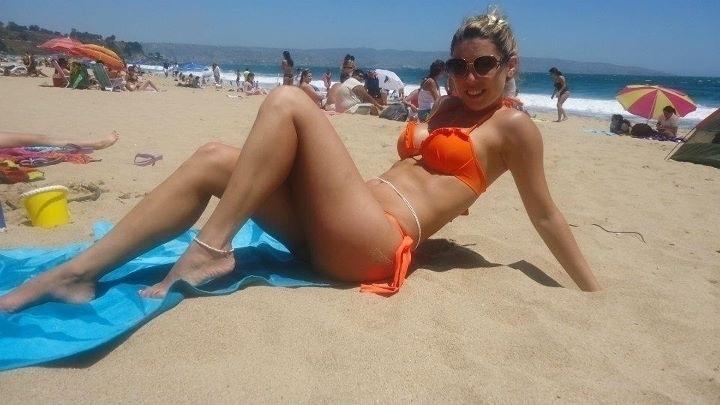 mulher-de-valdivia-daniela-aranguiz-curte-uma-praia-e-posta-foto-nas-redes-sociais-1349101469760_720x405
