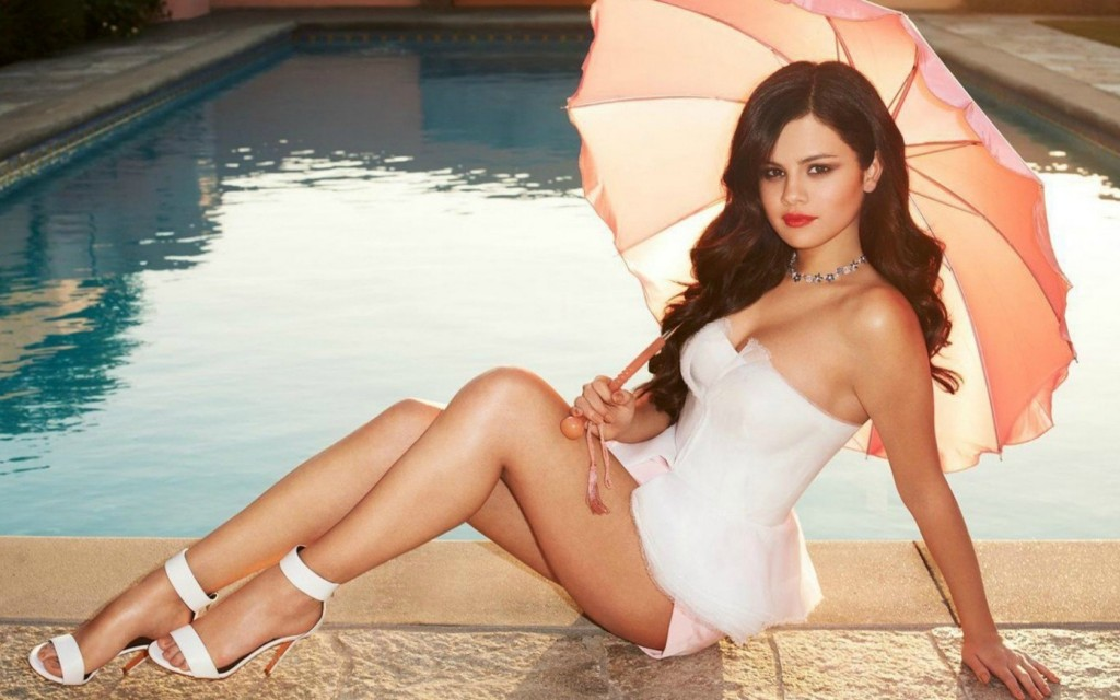 20-hottest-female-celebrities-under-thirty-11
