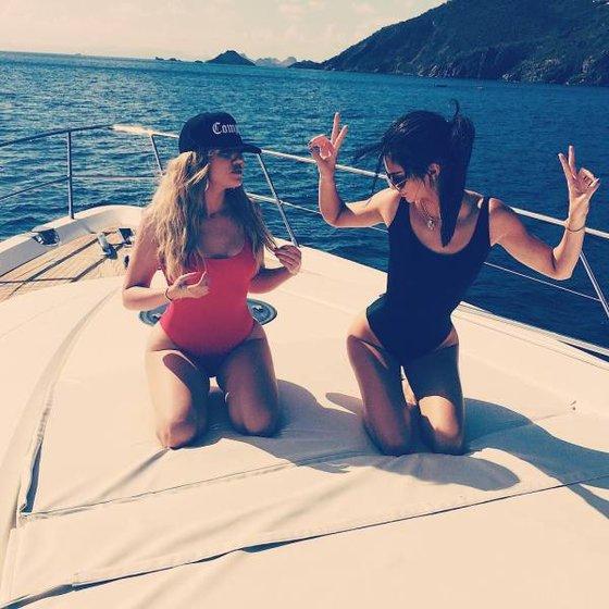 RTEmagicC_Kardashian_T_txdam282995_8aff67.jpg