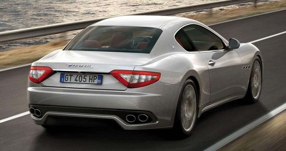 O atacante Diego Tardelli é proprietário de uma Maserati GranTurismo