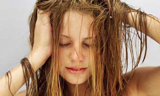 550162-dicas-para-disfarcar-o-cabelo-sujo-2
