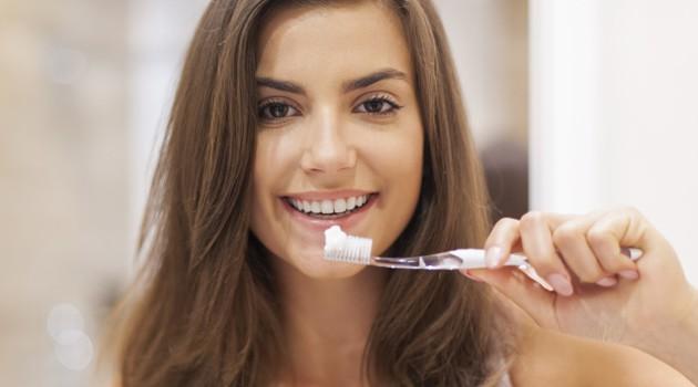 dente-sorriso-escova-abre_0