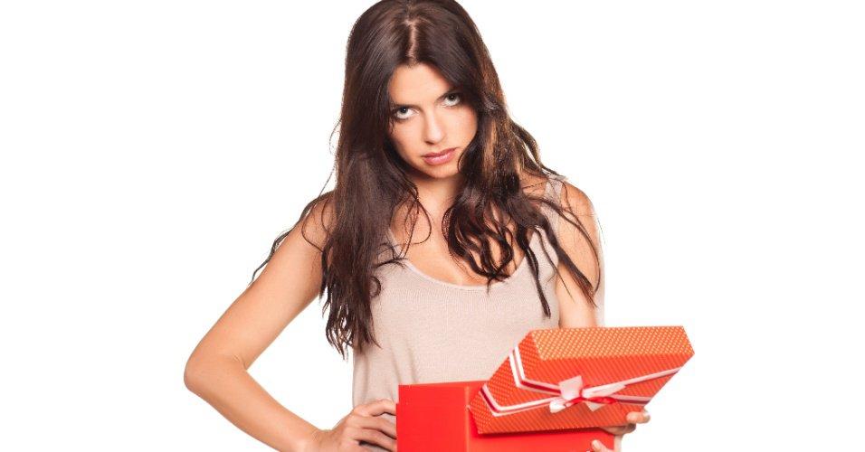 presente-de-natal-mau-presente-troca-de-presentes-presente-errado-direitos-do-consumidor-1387803935587_956x5001