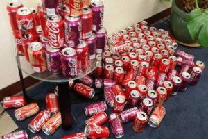 latas de coca 2 600x399