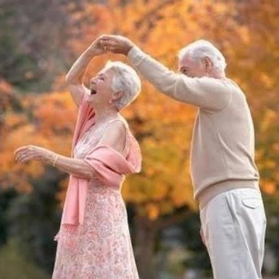 Resultado de imagem para foto de casal velhinho