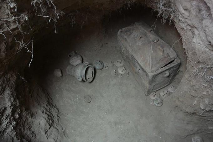 tumba 1